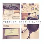 Utensilien zur Podcast Erstellung (Notizblock, Mikrofon)